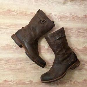UGG Men's distressed boots sz 12